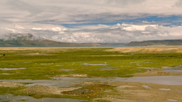 photos of Peigutso Lake in Tibet by Arun Shanbhag